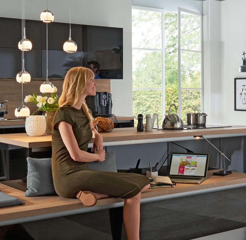 individuelle k chenplanung beratung kostenlos bei m bel. Black Bedroom Furniture Sets. Home Design Ideas