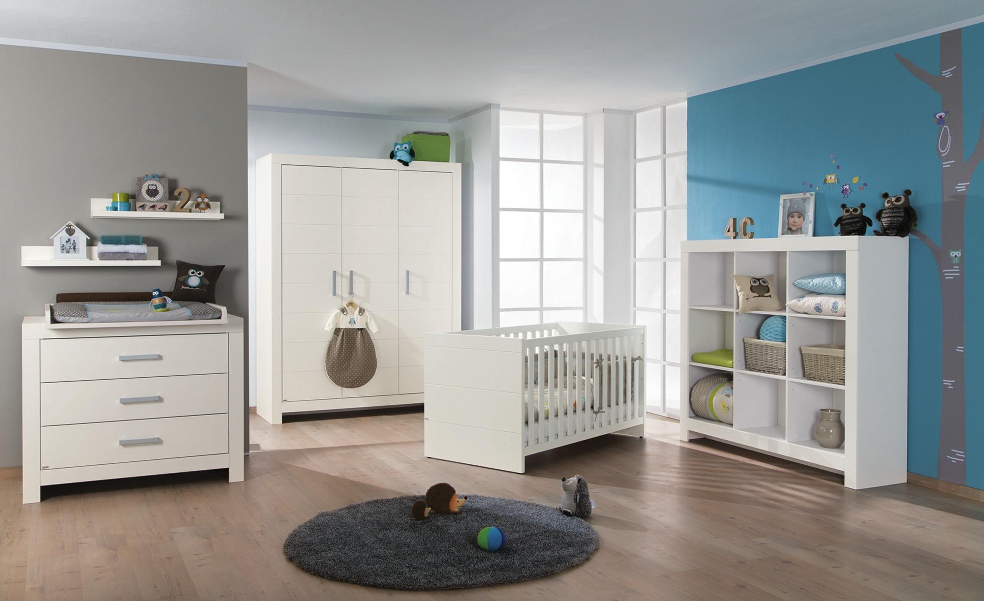 Babyzimmerset in neutralem Weiß