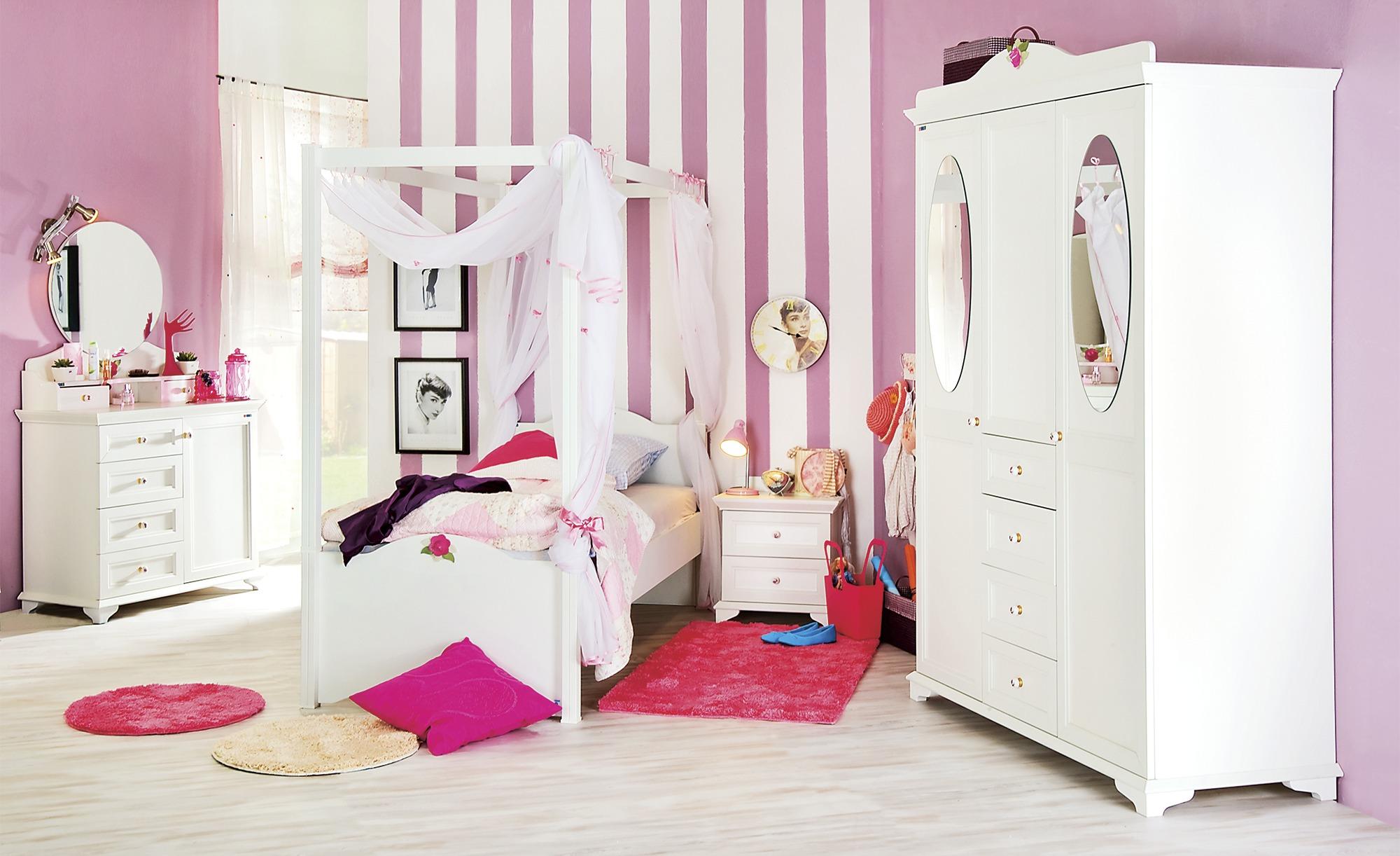 Mädchenzimmermöbel im Romantic Look