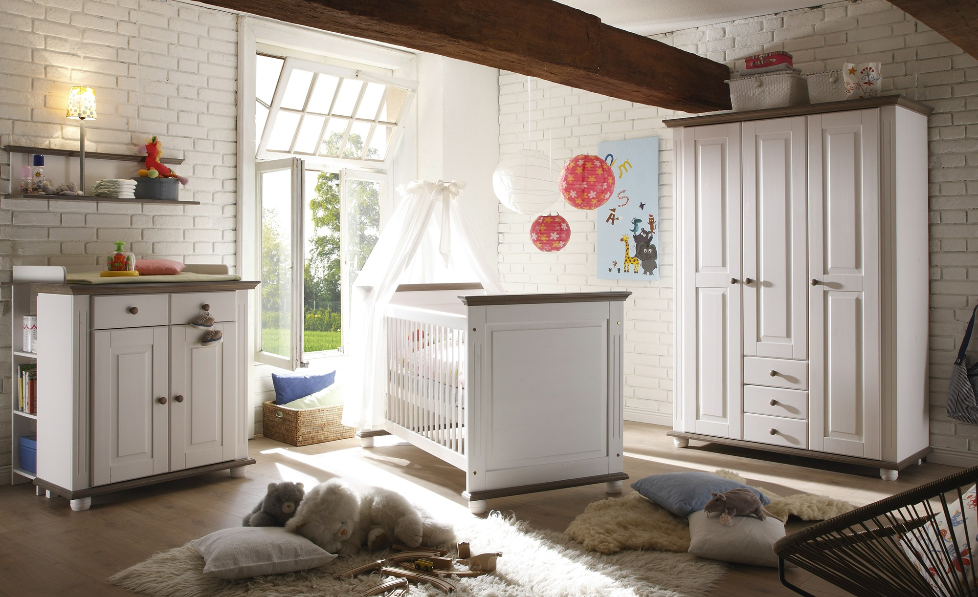 Babyzimmer-Möbel im Landhausstil