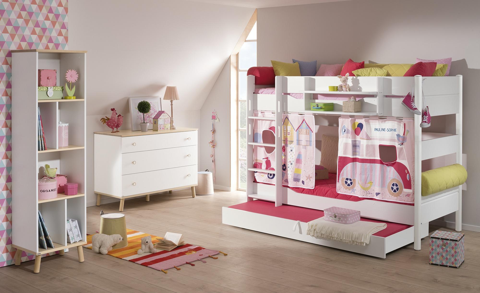 Mädchenzimmer aus dem Kinderzimmerprogramm 'Ylvie' zusammengestellt
