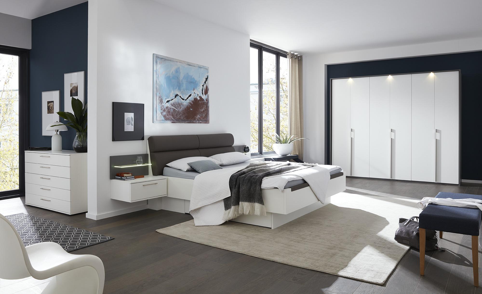Wohnwert Schlafzimmer Kollina, gefunden bei Möbel Höffner