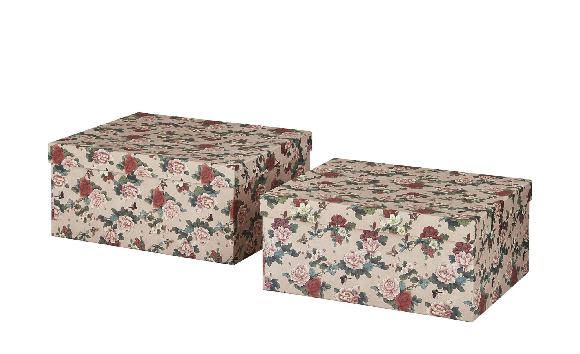 Kisten für besondere Kleidungsstücke