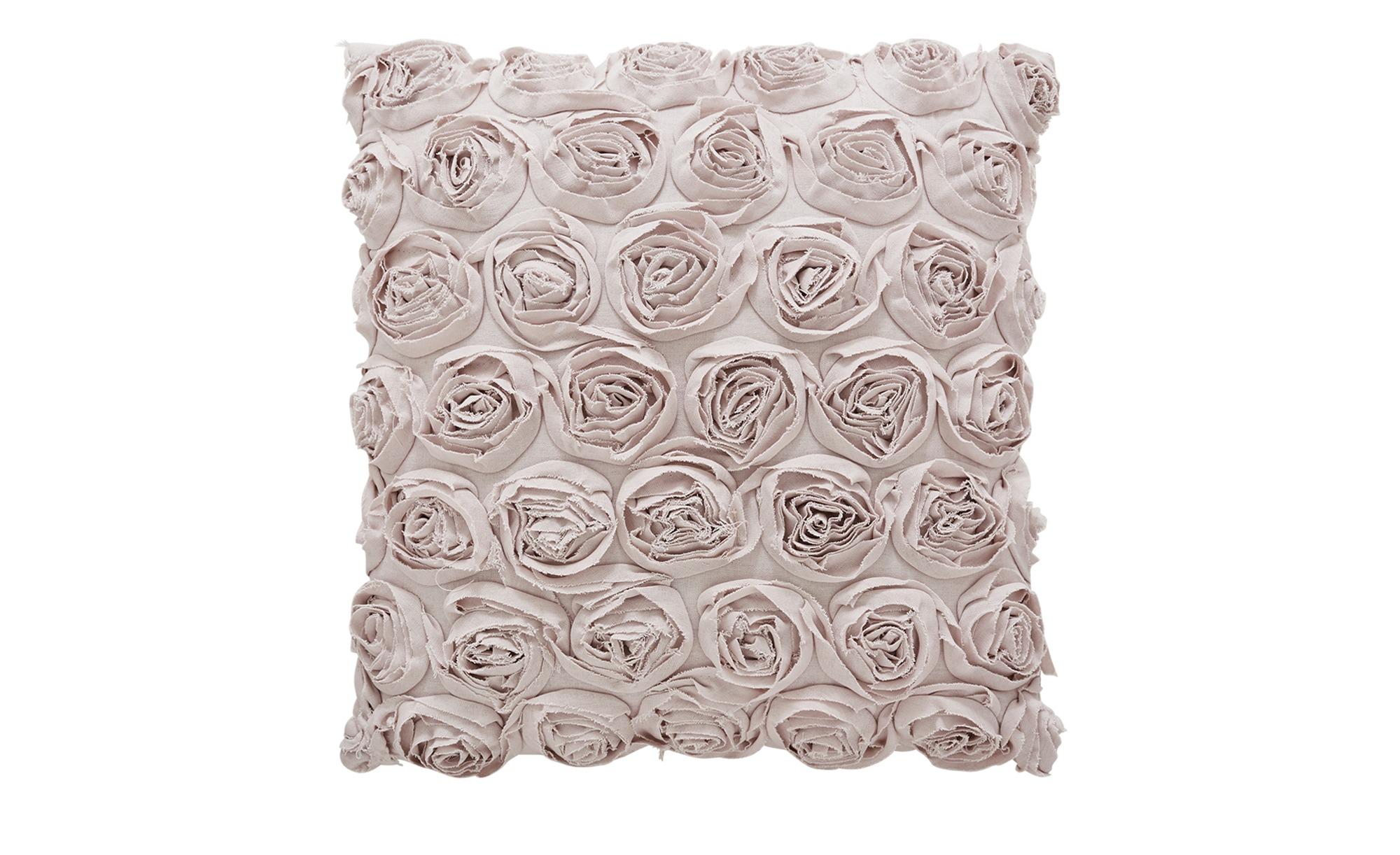 Romantisches Kissen mit Rosenapplikationen